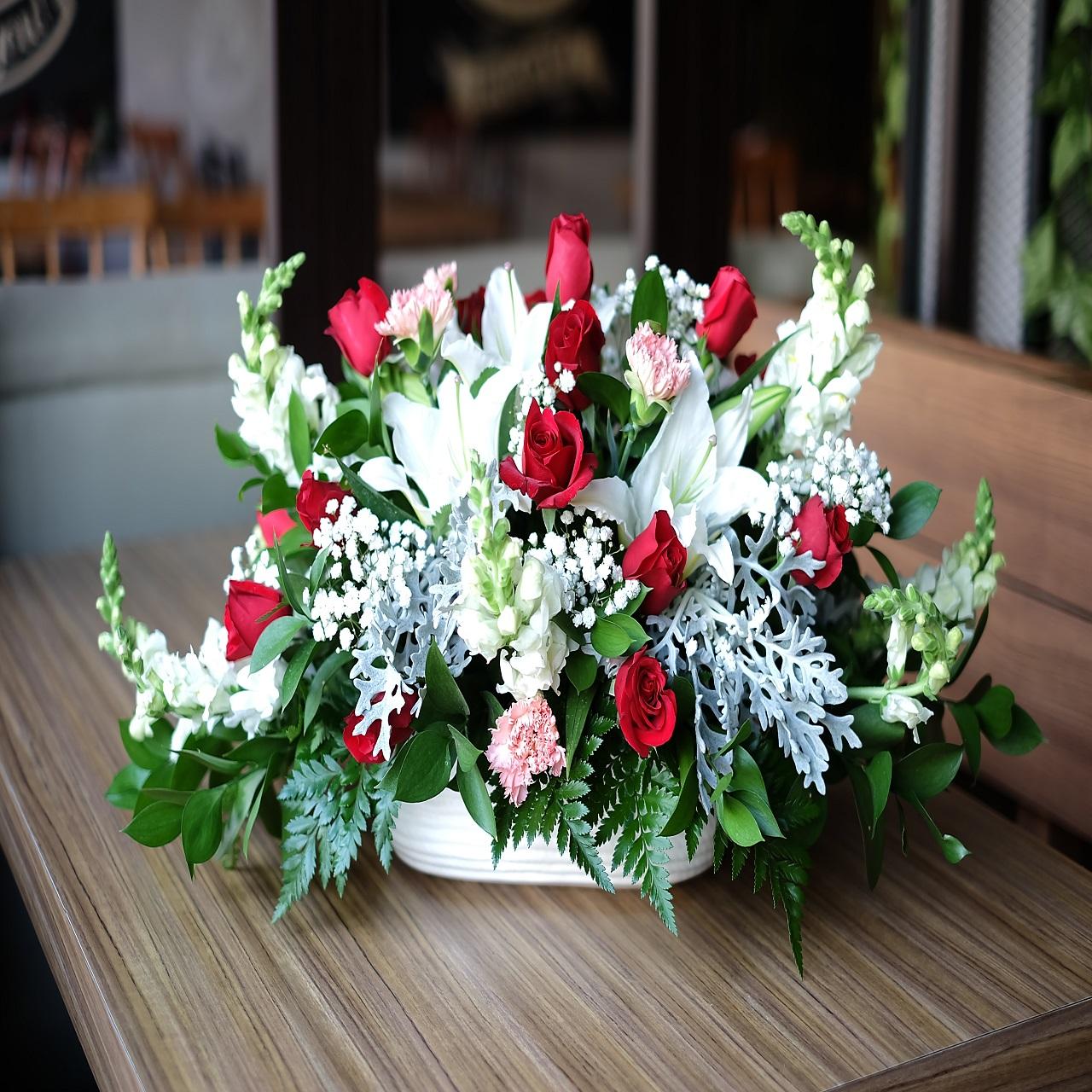 Rangkaian Bunga Meja Tamu Yulika Florist