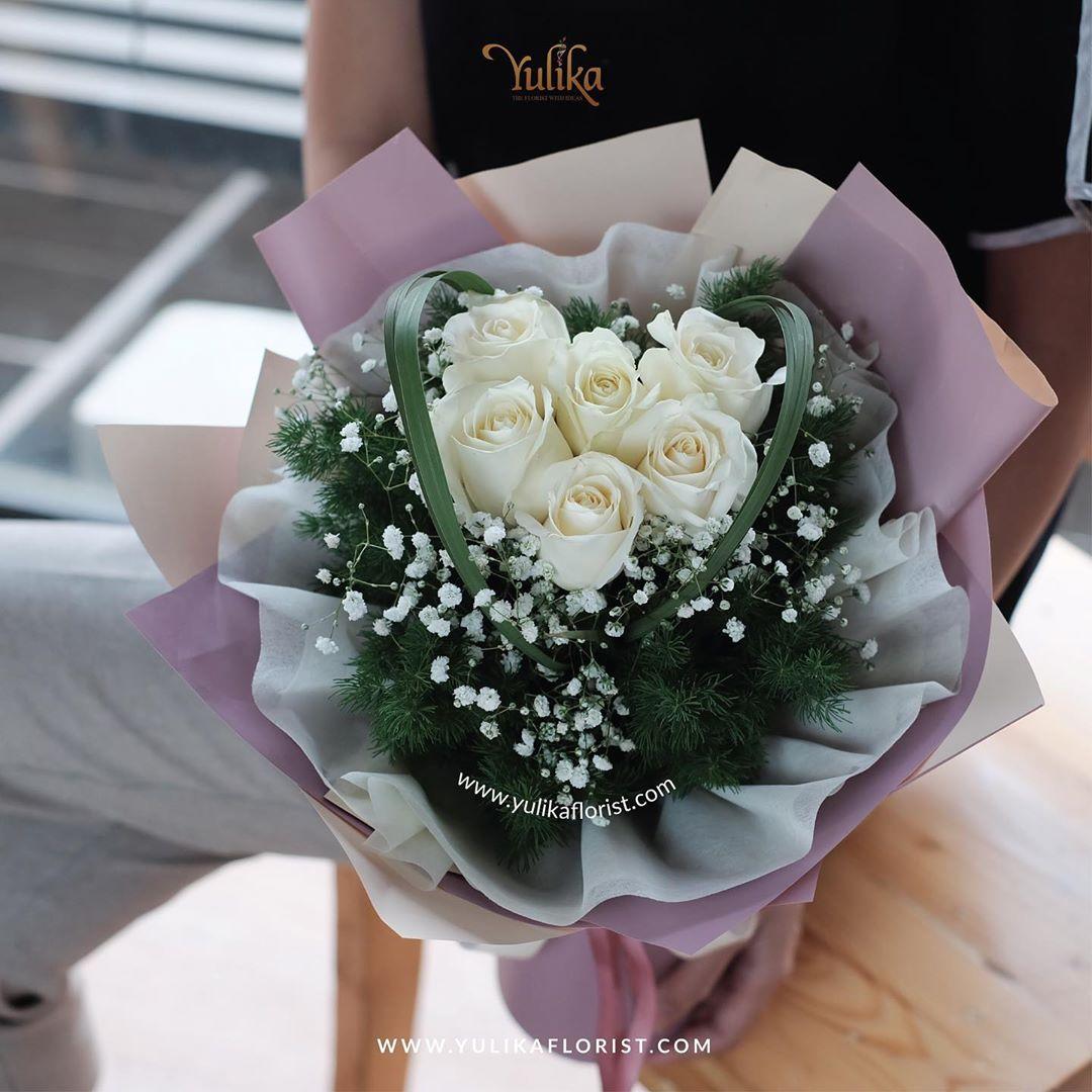 Fakta Menarik Bunga Mawar Putih Yulika Florist